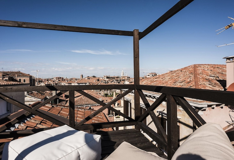 MYSWEETPLACE - San Marco Apartments, Venice, Deluxe Apartment, Canal View, Terrace/Patio