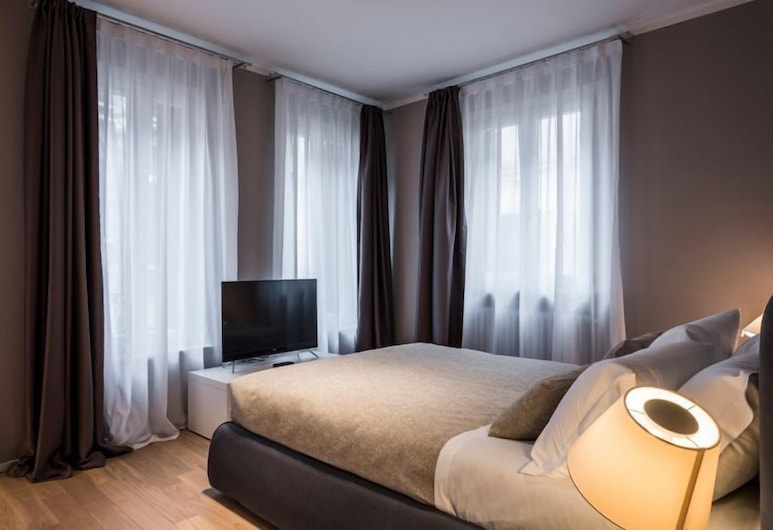 MYSWEETPLACE - Rialto Apartments, Venice, Deluxe Apartment, Canal View, Room