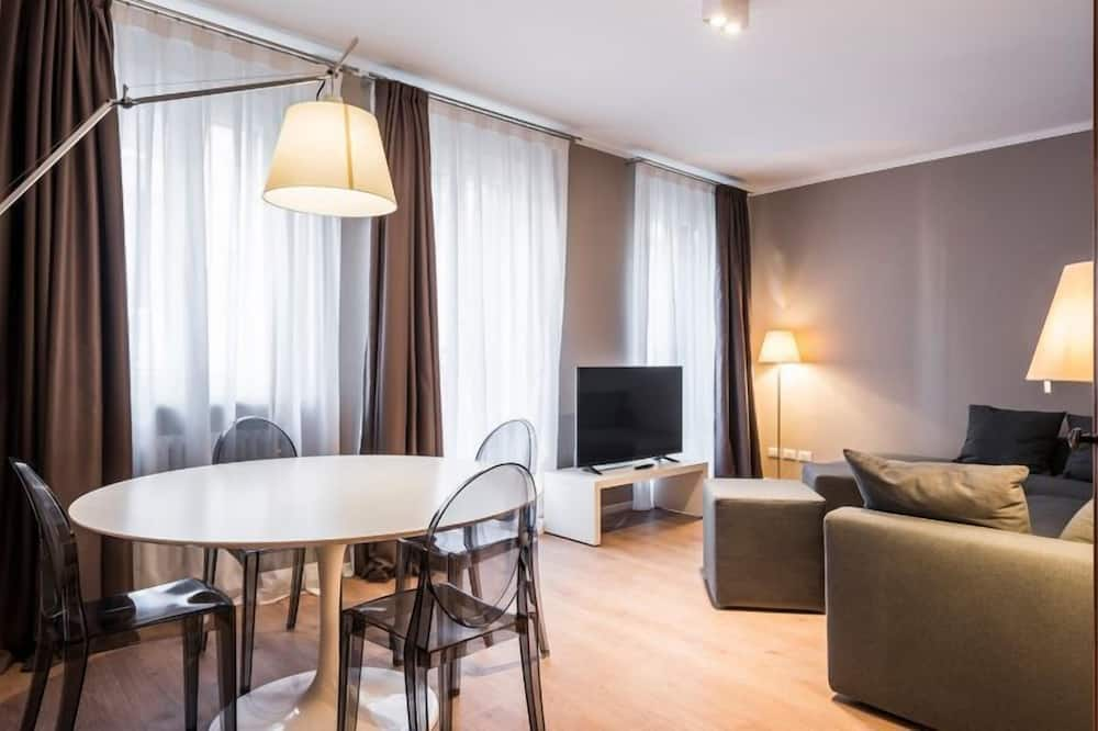 Family Apartment, Canal View - Living Area