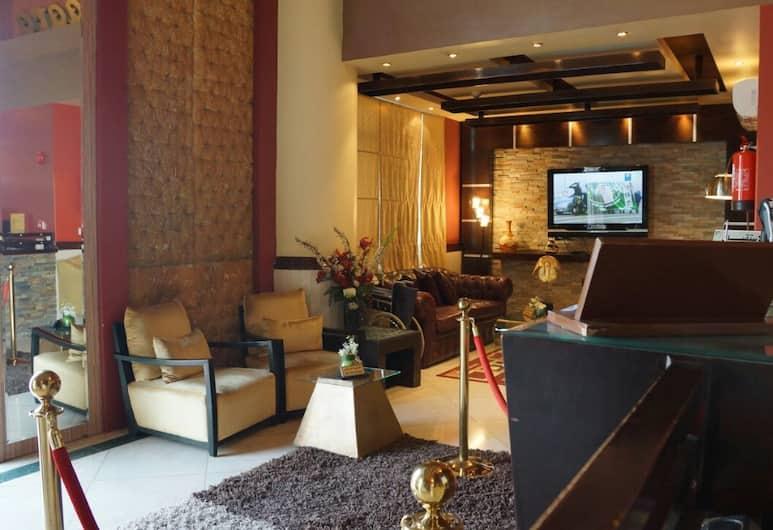 Naiara Maahad Eledara Elnsaey, Riyadh, Lobby Sitting Area