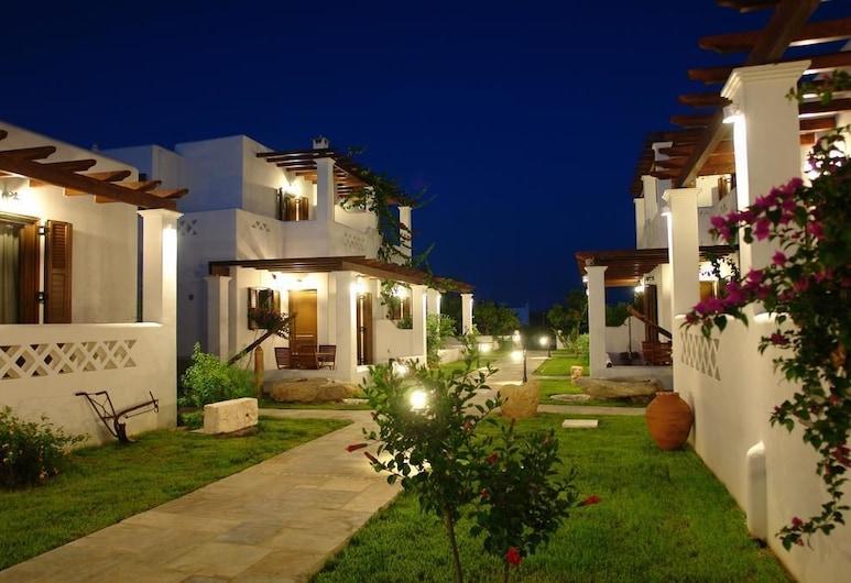 Anemonisia Deluxe Apartments & Mesonettes, Skiros, Front obiektu