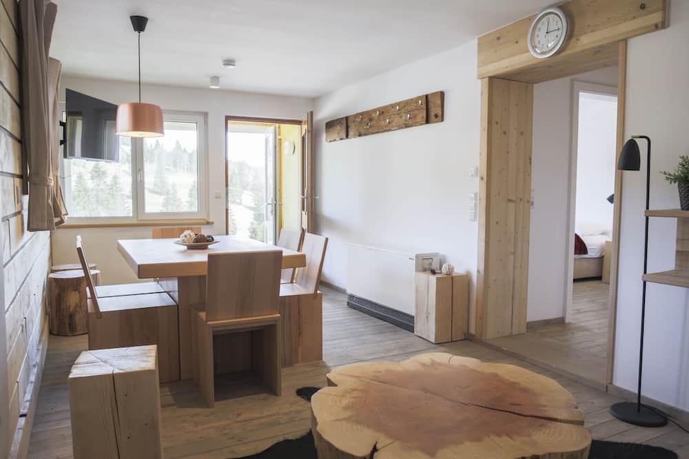 Dizaina dzīvokļnumurs, trīs guļamistabas, skats uz kalniem, pirmais stāvs - Viesu numurs