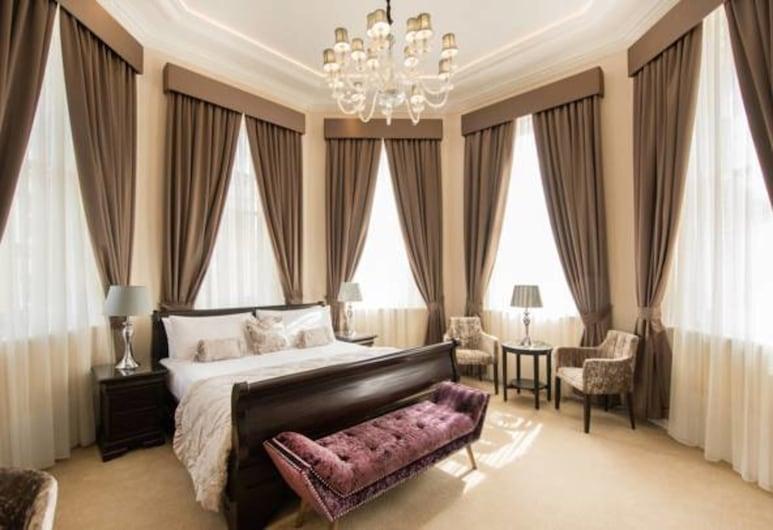 Lansbury Heritage Hotel, London, Superior Room (Lansbury Octagonal Tower Room), Guest Room