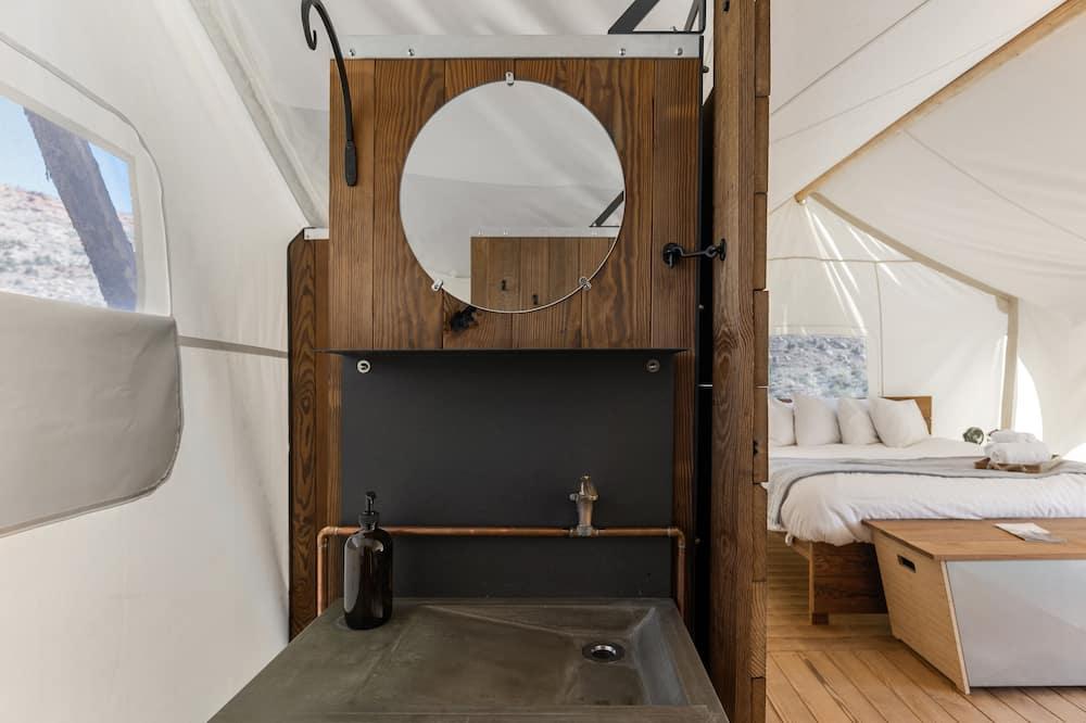 Suite with Kids Tent - Private Bath - Kamar mandi