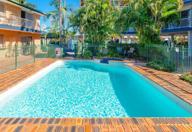 ريد ستار هوتلز بالم بيتش, شاطئ بالم, واجهة الفندق
