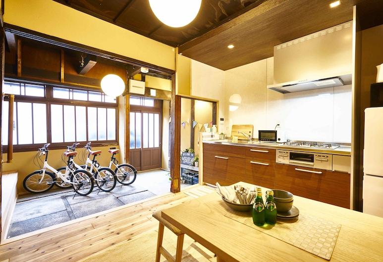 미부이치, Kyoto, 내부 입구