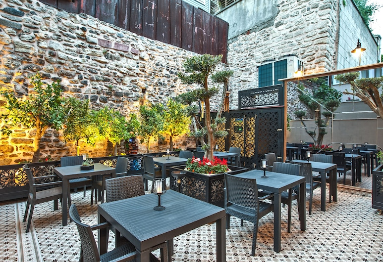 Ferman Konak Hotel, Istanbul, Garten