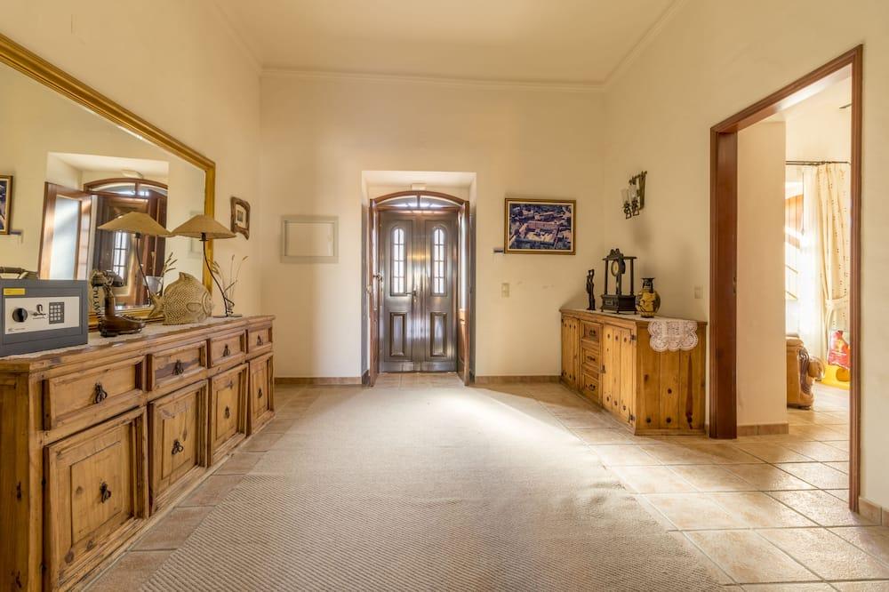 Villa (7 Bedrooms) - Woonruimte