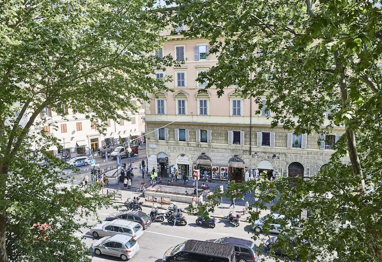 Ale & Niki's Home, Rome