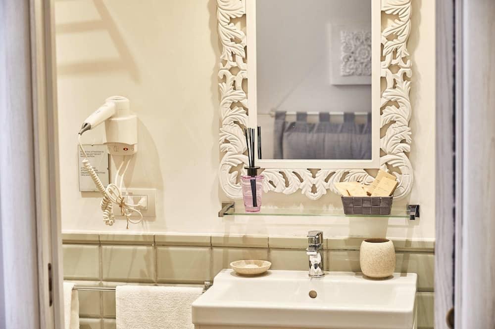 Standard Double or Twin Room (Goffredo) - Bathroom