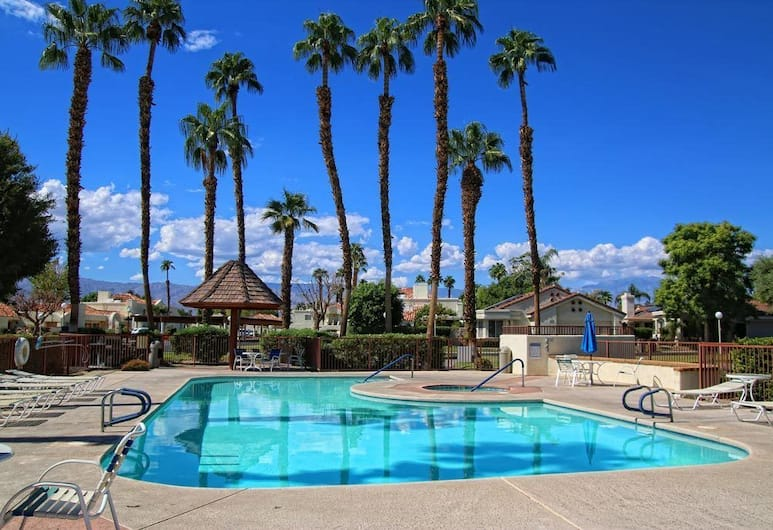 4 Seasons at Desert Breezes, Palm Desert
