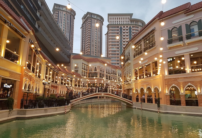 LUXE In Venice - The Venice Residences, Taguig