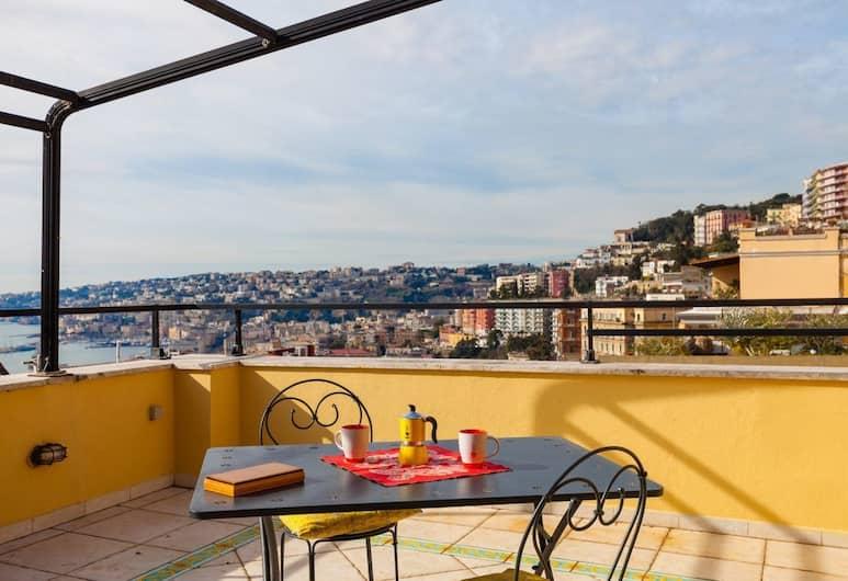 Apartment Corso Vittorio Emanuele, Neapel, Lägenhet - 2 sovrum, Terrass
