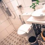 Quarto Duplo Deluxe, 1 cama queen-size, Não-fumadores, Vista Rio (Tatami with Window) - Casa de banho