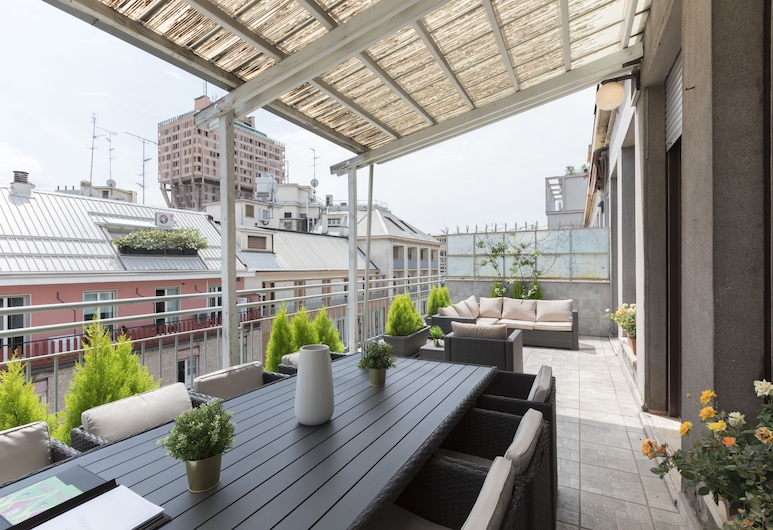 Hemeras Boutique House Aparthotel Piazza Diaz, Milan, Luxury Penthouse, Balcony