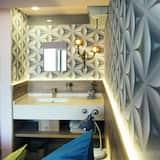Penthouse - Bathroom