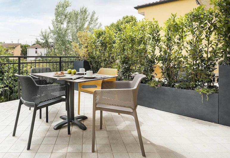 Hatelier Garda Home, Peschiera del Garda, Taras/patio