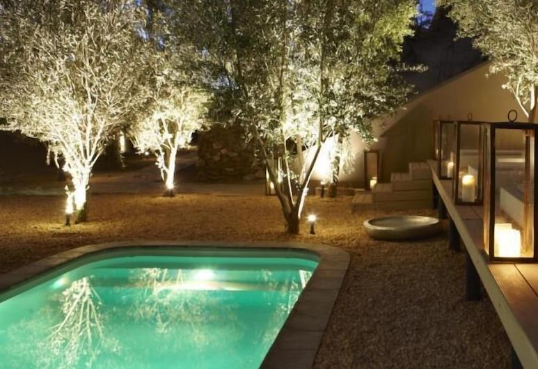 The Olive Exclusive Apartment, וינדהוק, בריכה חיצונית