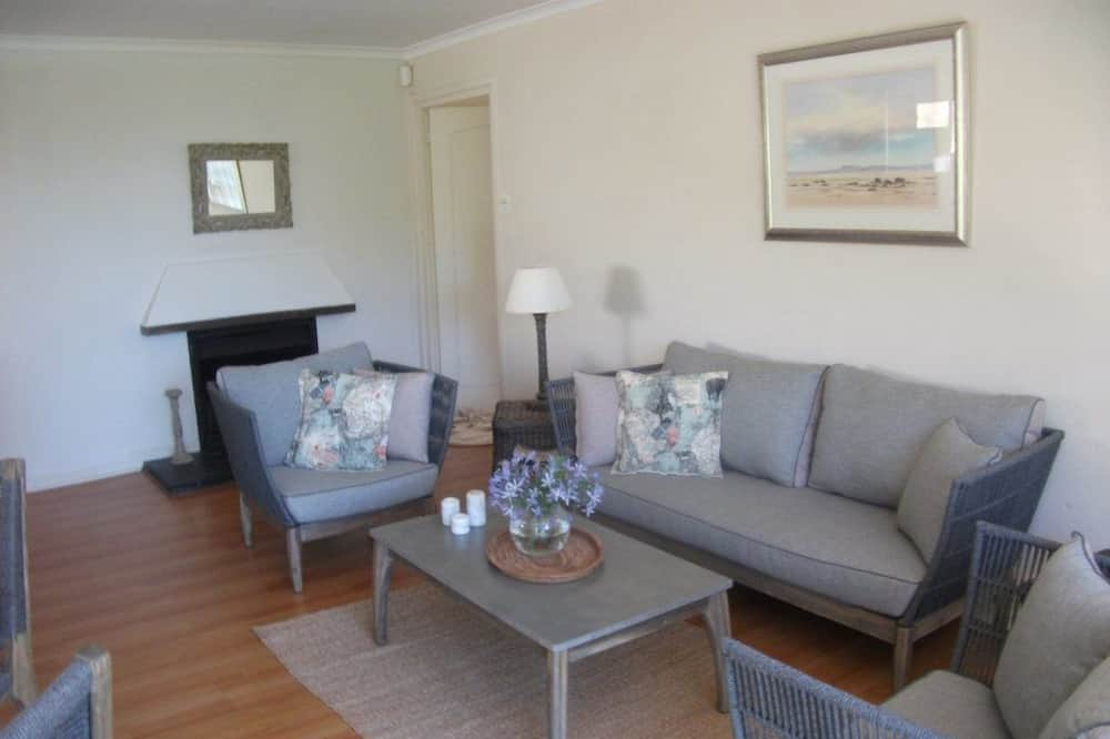 Comfort Cottage, 2 Bedrooms (River Cottage - Luxury Self Catering ) - Living Area