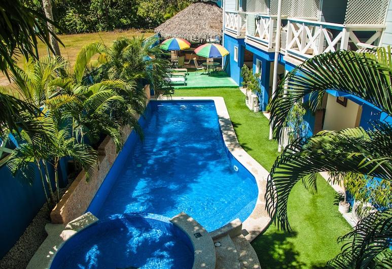 هوتل سانتا تريزا, كوبانو, حمام سباحة