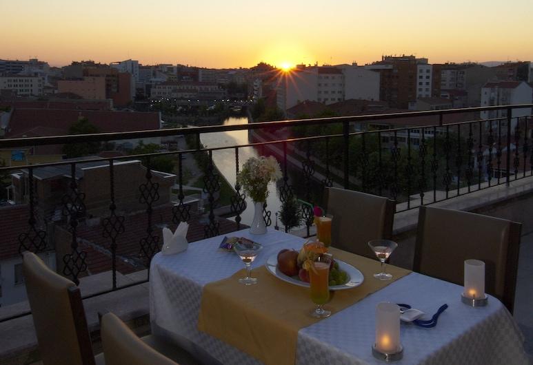Soyic Hotel, Eskisehir, Outdoor Dining