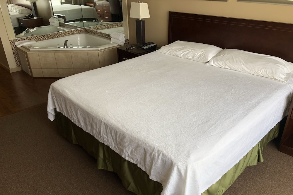 Deluxe Room, 1 King Bed, Jetted Tub - Profilbild