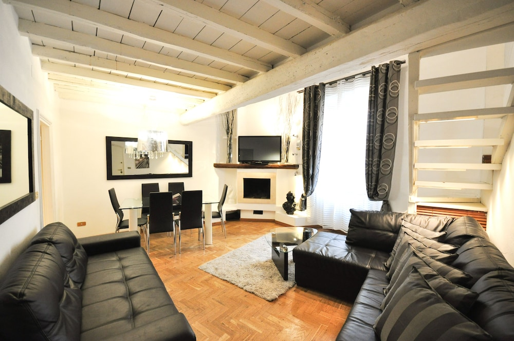 Charming Holiday Apartments Rome   Piazza Navona, Rome