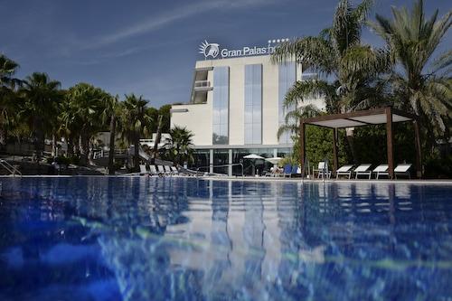 帕拉斯大酒店