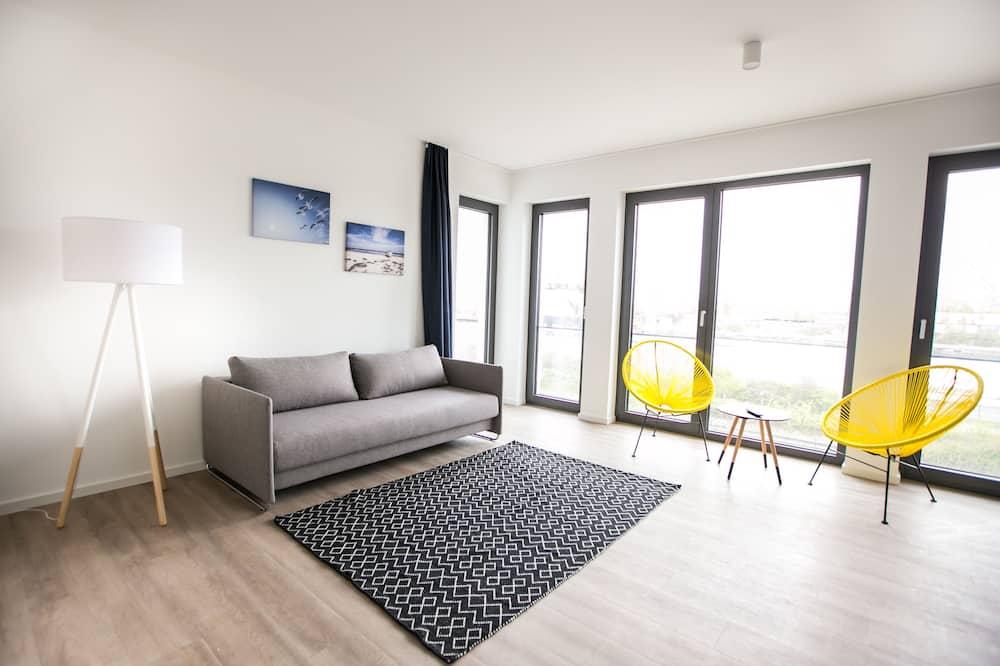 דירה, 3 חדרי שינה, מרפסת, נוף לתעלה - אזור מגורים