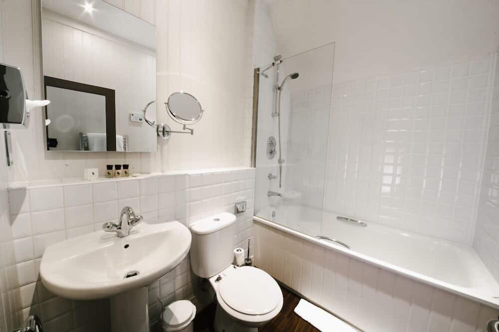 Superior double with bath/shower - Bathroom