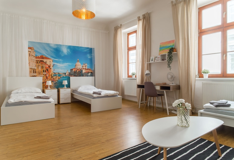 Internesto Apartments Downtown, Brno, Deluxe Apartment, 4 Bedrooms, Terrace, Guest Room