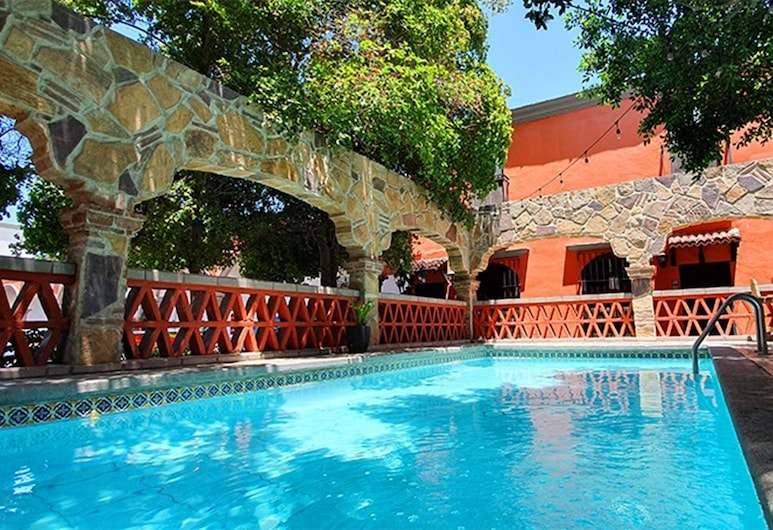 Hotel Cosmos Don Carlos, מקסיקלי, בריכה חיצונית