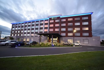 Picture of Holiday Inn Express & Suites - Gatineau - Ottawa in Gatineau