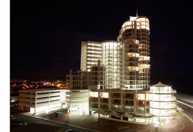 Hibernian Towers, Cape Town, Front of property - evening