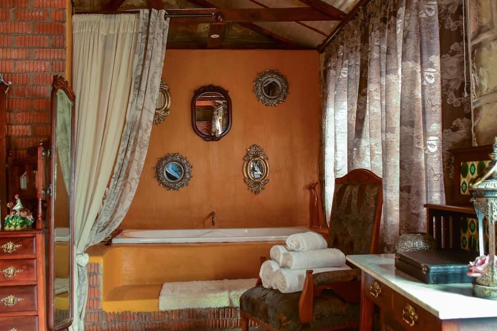 جناح شهر العسل - غرفة نوم واحدة - حمّام