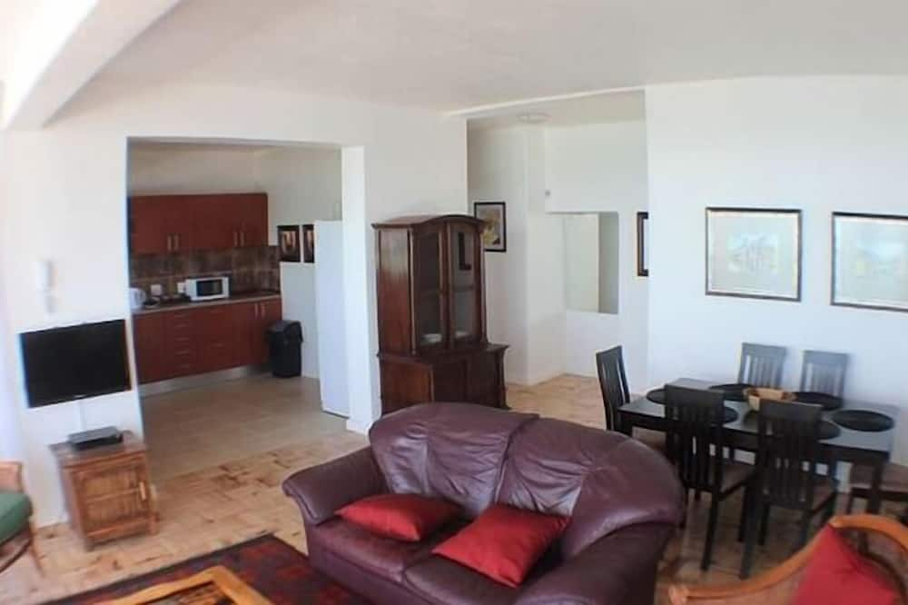 Căn hộ dành cho gia đình, 3 phòng ngủ - Khu phòng khách