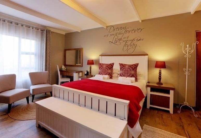 Lavenders At Constantia Guest, Pretoria, Superior Queen Room with Bath & Shower, Guest Room