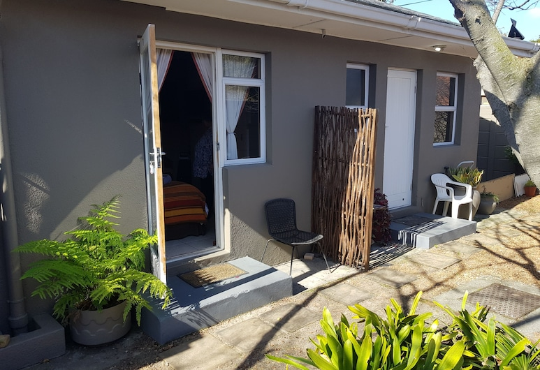 Lotz Of Joy Guest House , Cape Town, Twin Room (Twin Room 1), Terrace/Patio