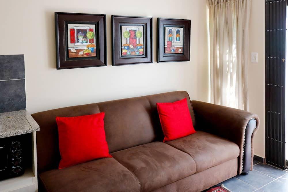 3 sleep: 2 single beds, 3/4 sleep couch - Area Keluarga