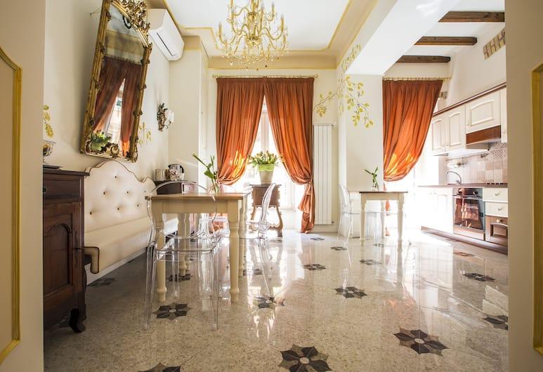 Trastevere Royal Suite, Roma, Salottino della hall
