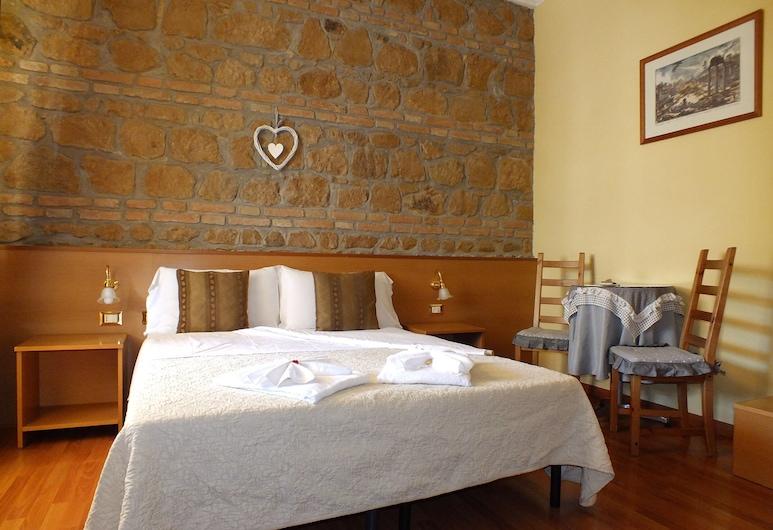 Guest House 64, Řím, Třílůžkový pokoj typu Classic, Pokoj