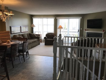 Nuotrauka: 3 Bedroom Muskoka Condo in Hidden Valley, Hantsvilis