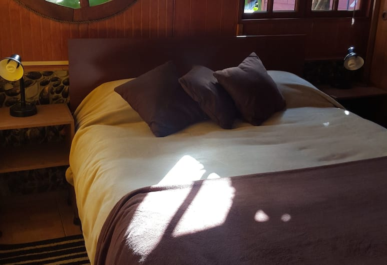 Cabaña Rústica, Coyhaique, Standard Apartment, 2 Bedrooms, Private Bathroom, Room