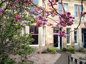 Picture of Lochinver Guest House in Ayr