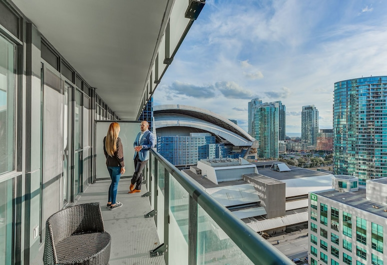 Noel Suites - John and Front St West, Toronto, Suite (Lake View and City View), Terrace/Patio