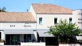 Reserve this hotel in Montaigu-de-Quercy, France