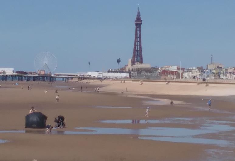 The Strathdon, Blackpool, Strand