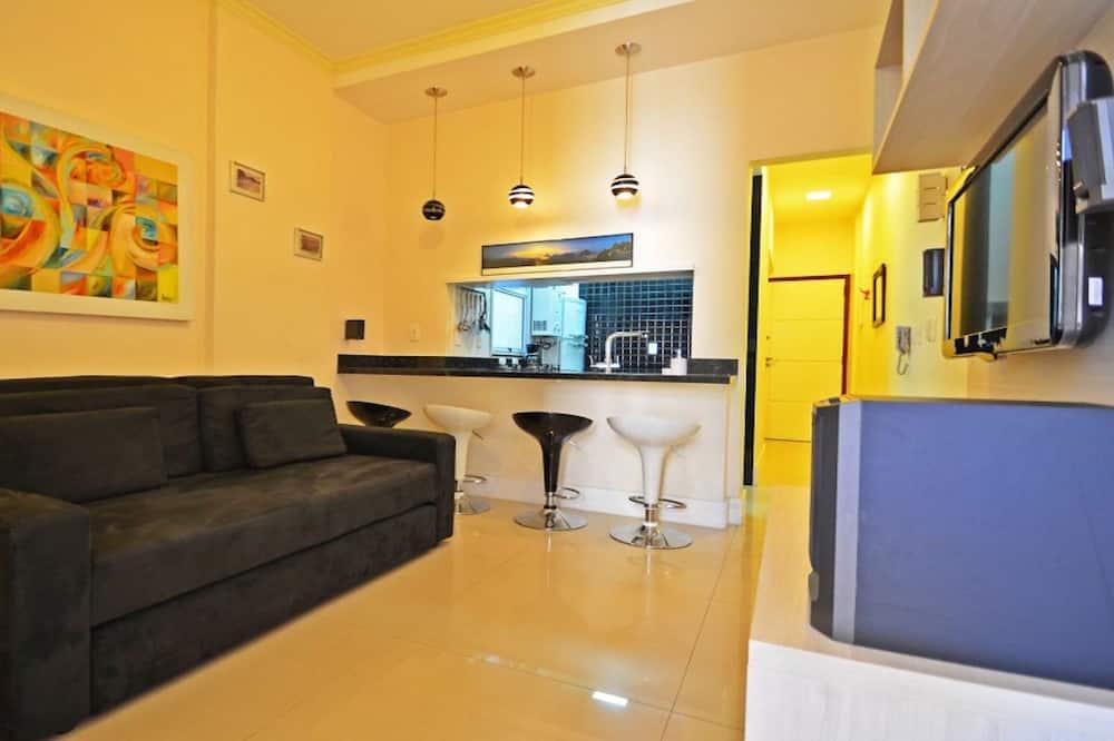דירת קומפורט, 2 חדרי שינה, מטבח, נוף לעיר - סלון