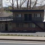 Tall Winds Motel