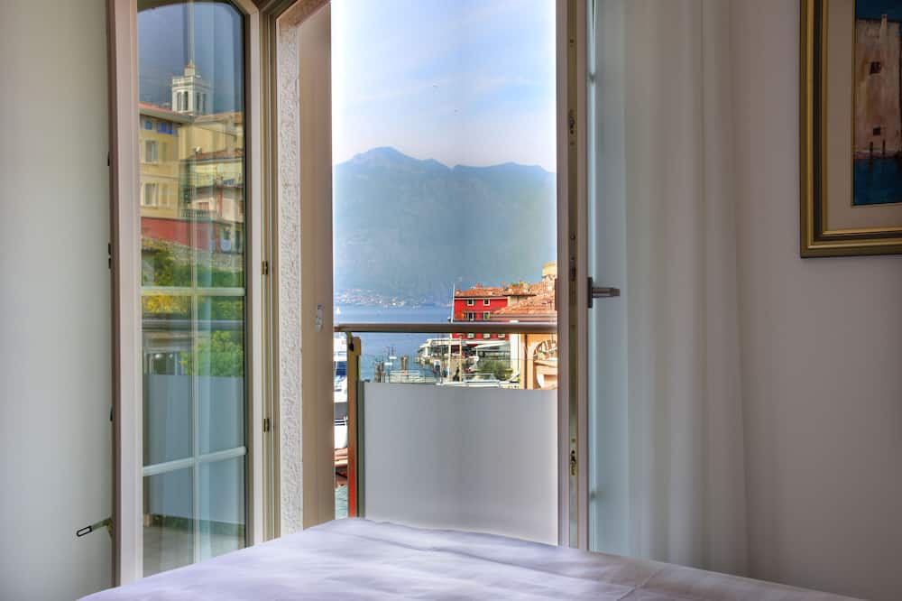 Double or Twin Room, Partial Lake View - Balcony View